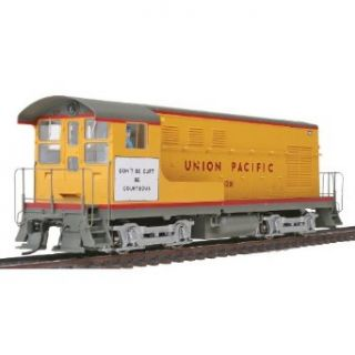 Wm. K. Walthers, Inc. / PROTO  2000 HO Scale Fairbanks Morse H10 44 Powered with Sound and DCC Union Pacific(R) #1301: Toys & Games