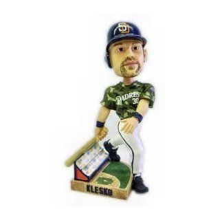 Ryan Klesko San Diego Padres Action Pose Forever Collectibles Bobblehead  Sports Fan Bobble Head Toy Figures  Sports & Outdoors