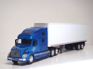 1:32 Volvo VN 780 Tractor Trailer G scale Toy truck (Blue): Toys & Games