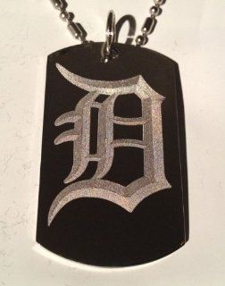 Letter D OLD English Font Initial   Military Dog Tag, Luggage Tag Key Chain Metal Chain Necklace: Pet Supplies
