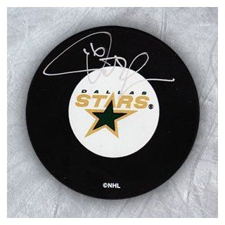 PAT VERBEEK Dallas Stars Autographed Hockey Puck Sports Collectibles