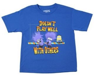 Despicable Me   Doesn't Play Well Minion   Youth T Shirt: Clothing