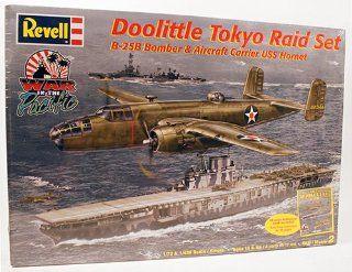 Revell Doolittle Tokyo Raid Set B 25B Bomber & Aircraft Carrier USS Homet 1/7 & 1/426 Scale
