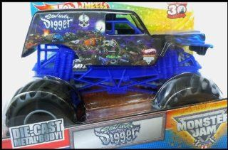 Hot Wheels Monster Jam Son Uva Grave Digger 124 Scale Truck Toys & Games
