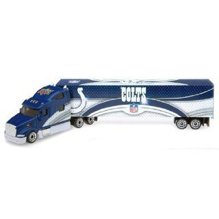 NFL 2008 Tractor Trailer Die cast   Cincinnatti Bengals NFL Team: Indianapolis Colts: Toys & Games