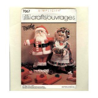 "Simplicity 7067 sewing pattern makes 20"" Santa Doll & 21"" Mrs. Claus & Clothes: Simplicity: Books"