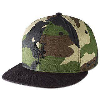 New York Mets True Camo Snapback Adjustable Cap by Nike  Sports Fan Baseball Caps  Sports & Outdoors