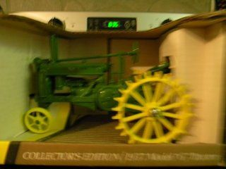 John Deere 1937 Model G Collector's Edition Toy Tractor: Toys & Games