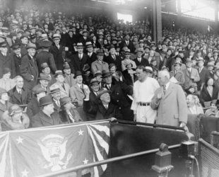 1933 April 12 photo President Roosevelt opening the ball game at Griffith Sta b1