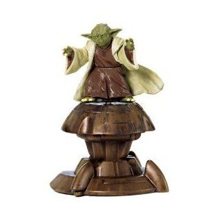 STAR WARS ATTACK OF THE CLONES YODA AND RED CLONE TROOPER EXCLUSIVE BONUS PACK: Toys & Games